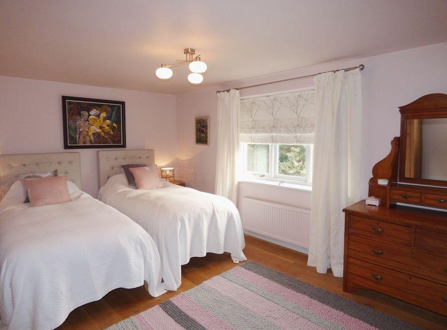 The Sidings   Bedroom 2