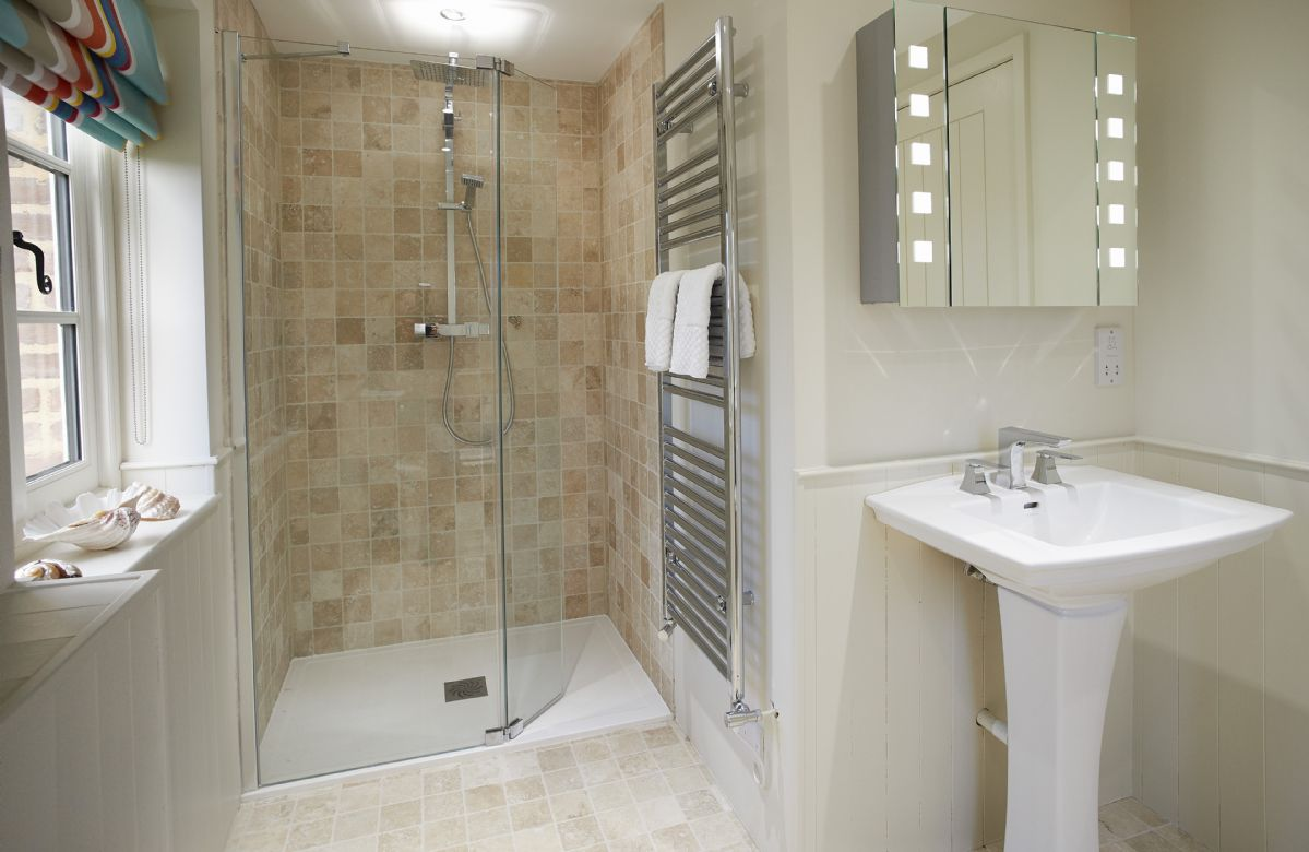 First floor: Family shower room