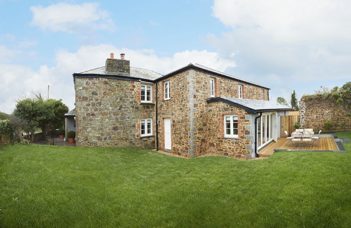 2 Kitts Hill has views across fabulous rolling countryside to the Camel Estuary and the north Cornish coast