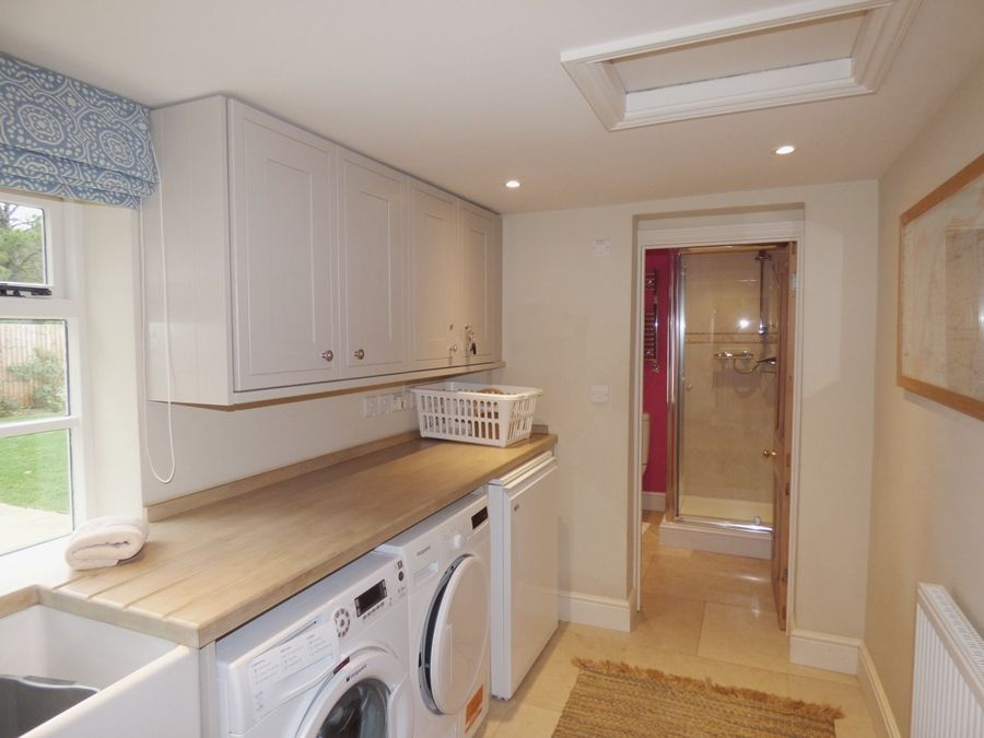 Greystones 3 bedrooms | Laundry area