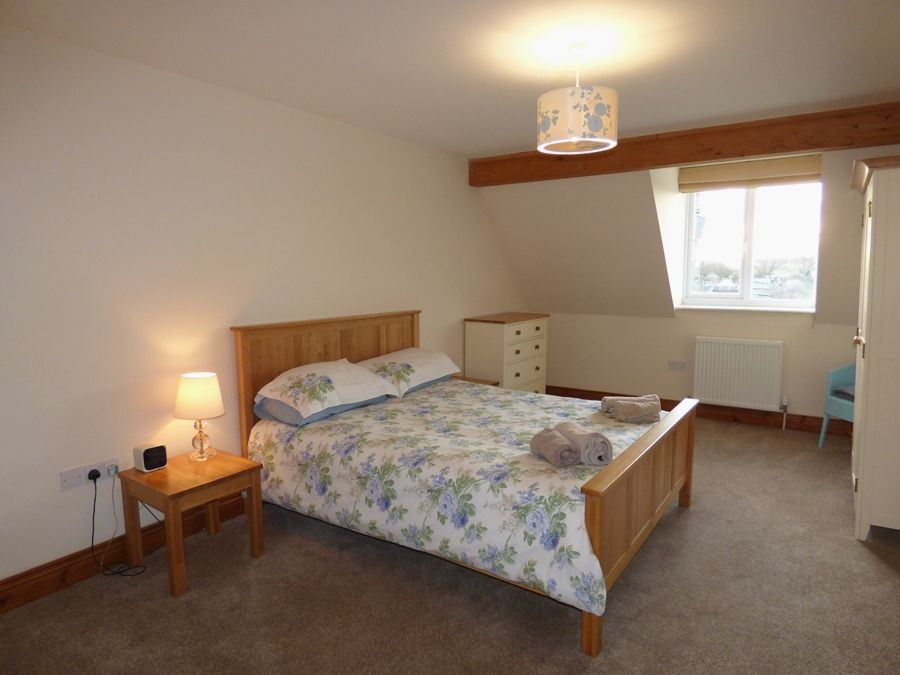 The Sidings   Buffers End   Bedroom 1