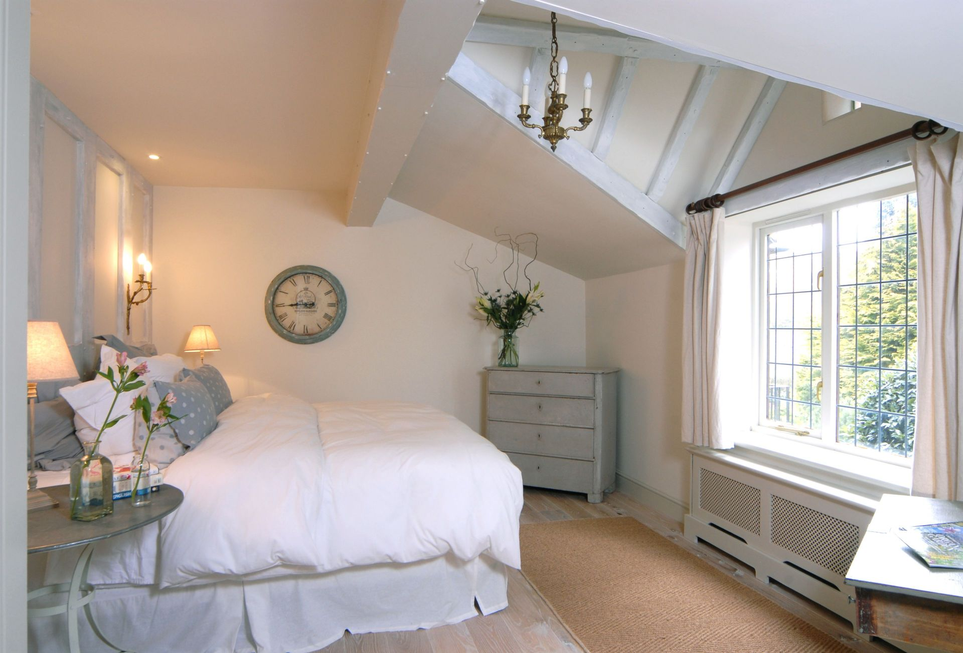 Ground Floor: Master bedroom with en-suite and super-king size bed