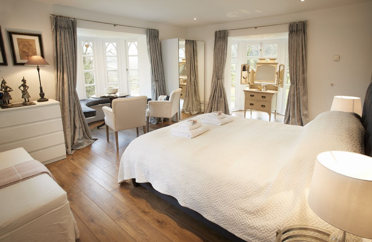 Ground floor: Bluebell bedroom with king size bed and en-suite shower room