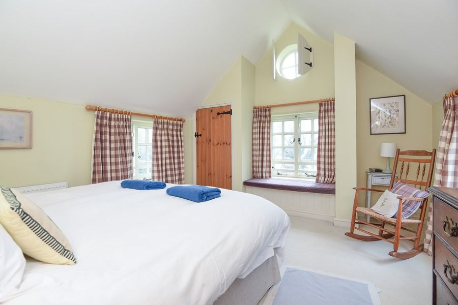 Coastguard's Cottage 3 bedrooms | Bedroom 1