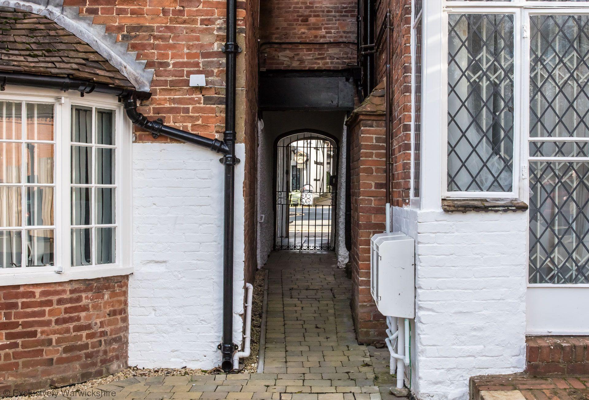 George House Apartments (Hidden Gem & Little George)