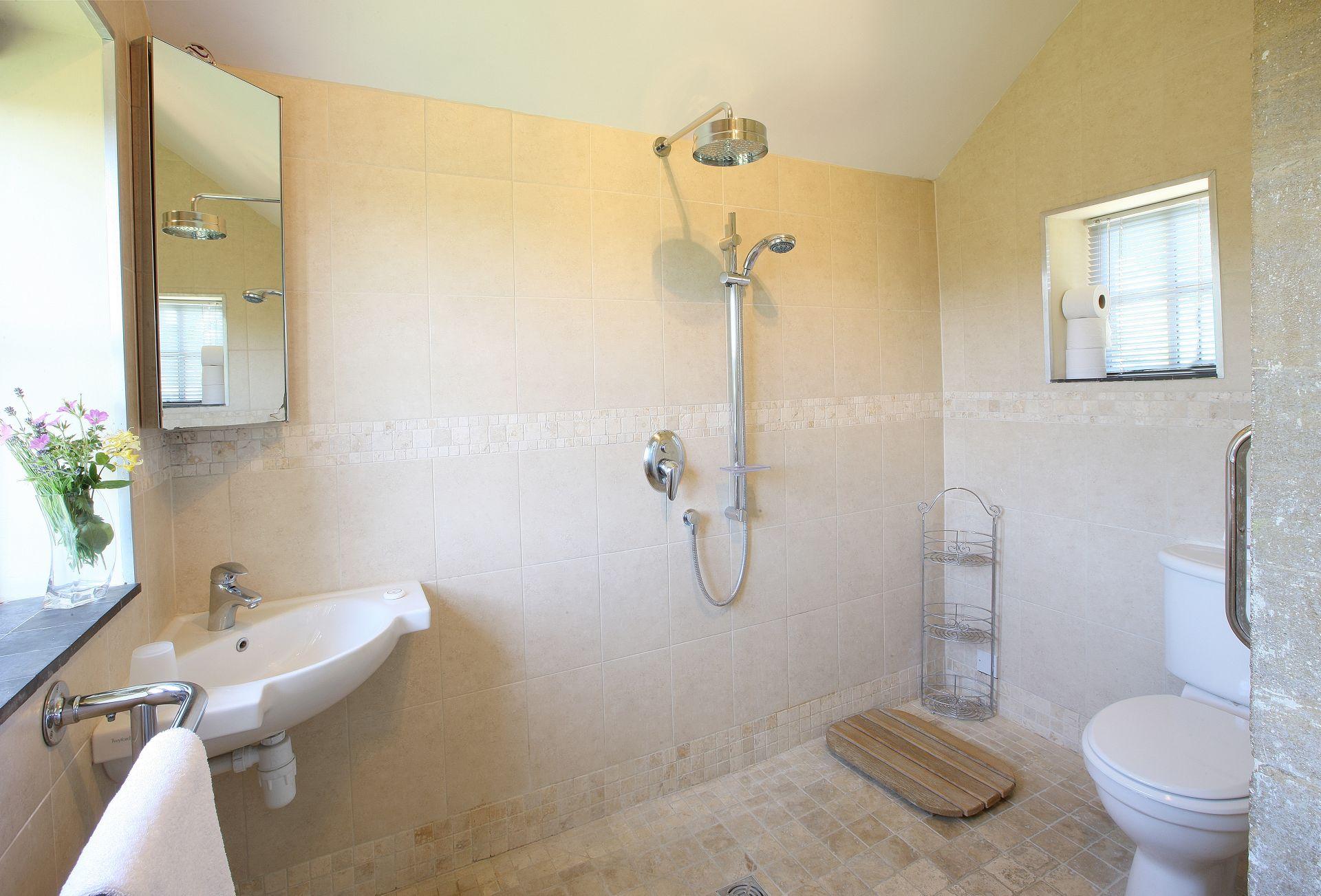Ground floor:  Walk-in wet room with wc