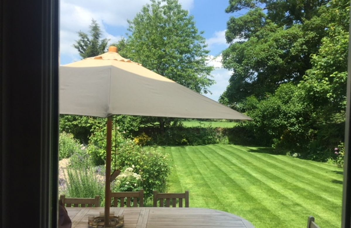 Garden furniture and barbecue