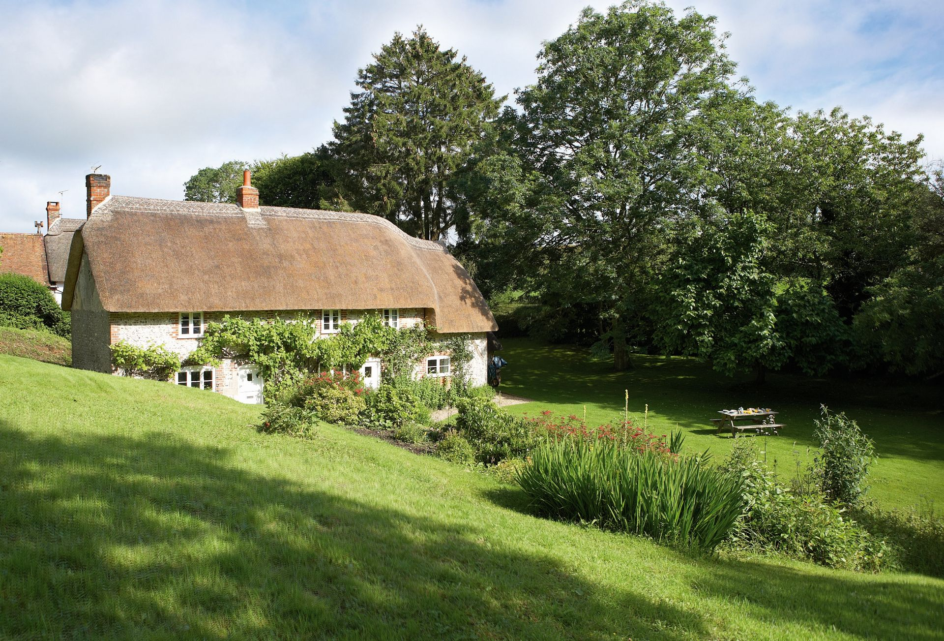 The picturesque Magna Cottage
