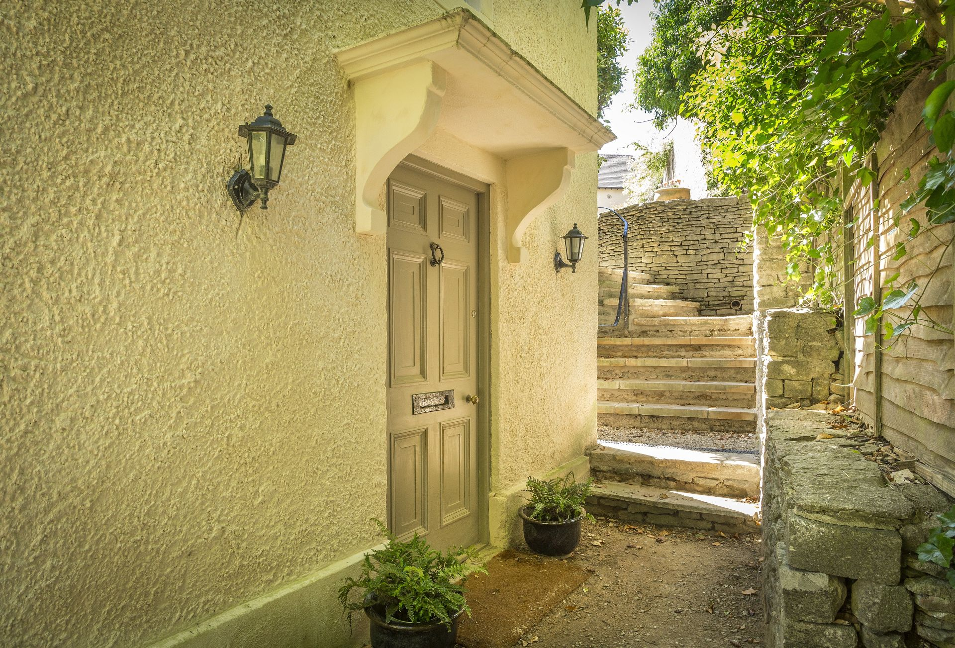 Entry to Catalpa Cottage