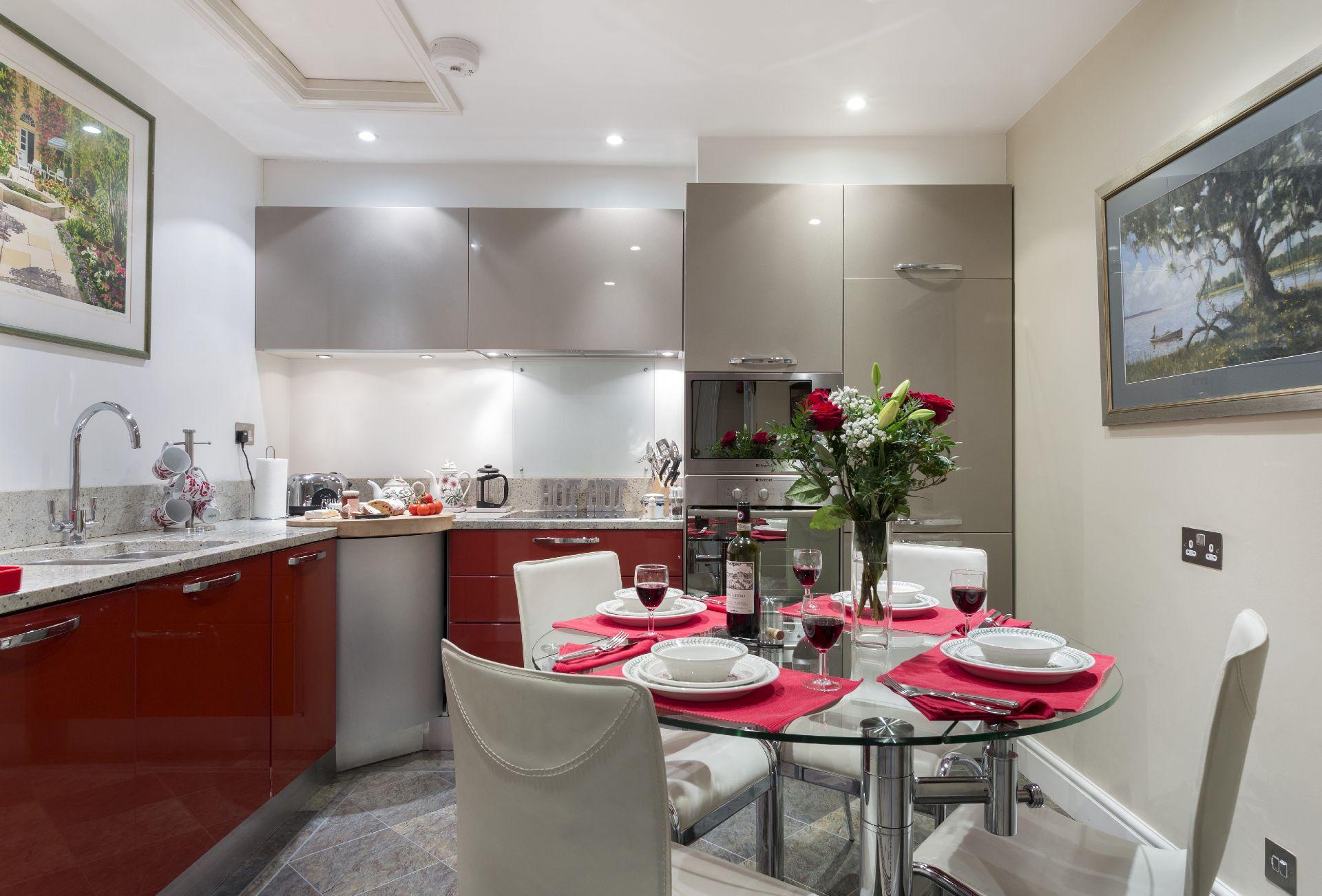 Lower ground floor:  Kitchen/breakfast room