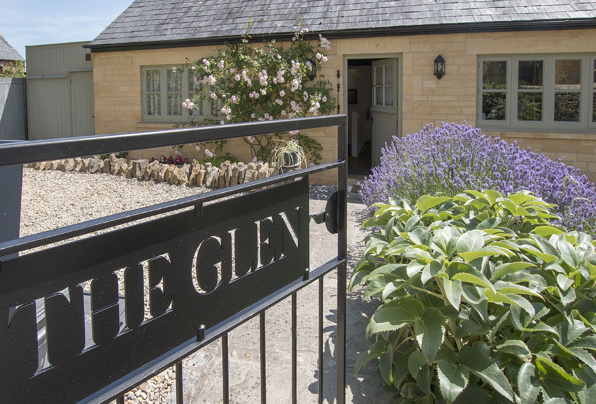 The Glen is a large, spacious family house dating from the early 1800s