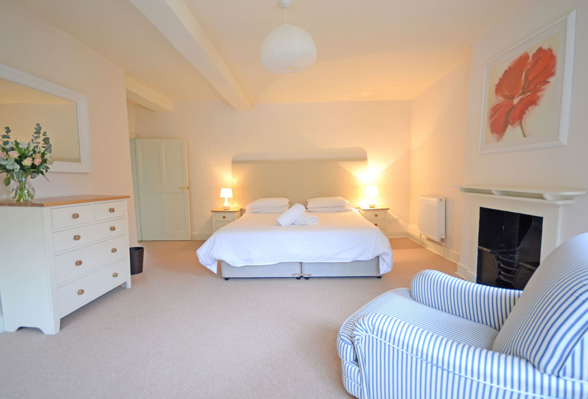 Another aspect of a Bedroom