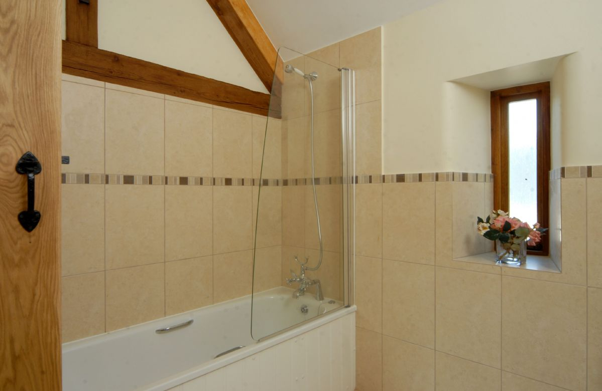 Ground floor: Bathroom adjacent to the master bedroom