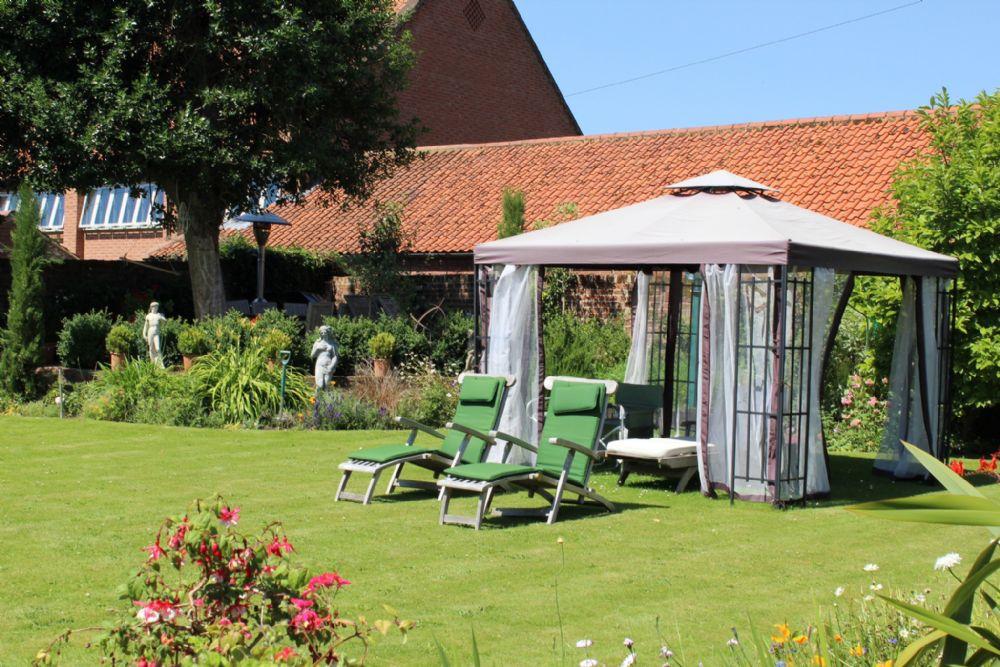 Holland House 3 bedrooms | Garden
