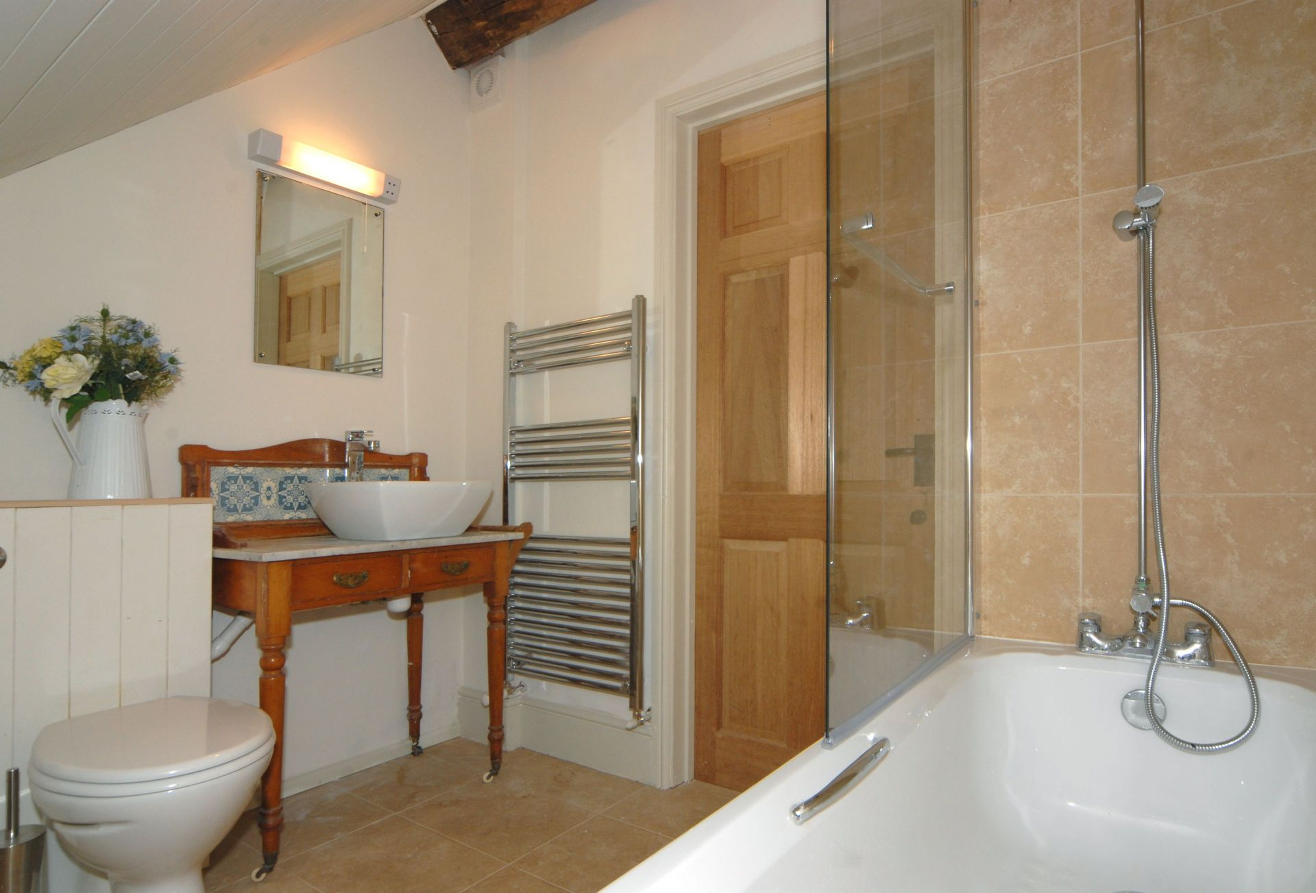 Watery Park Barn Second floor: En-suite bathroom