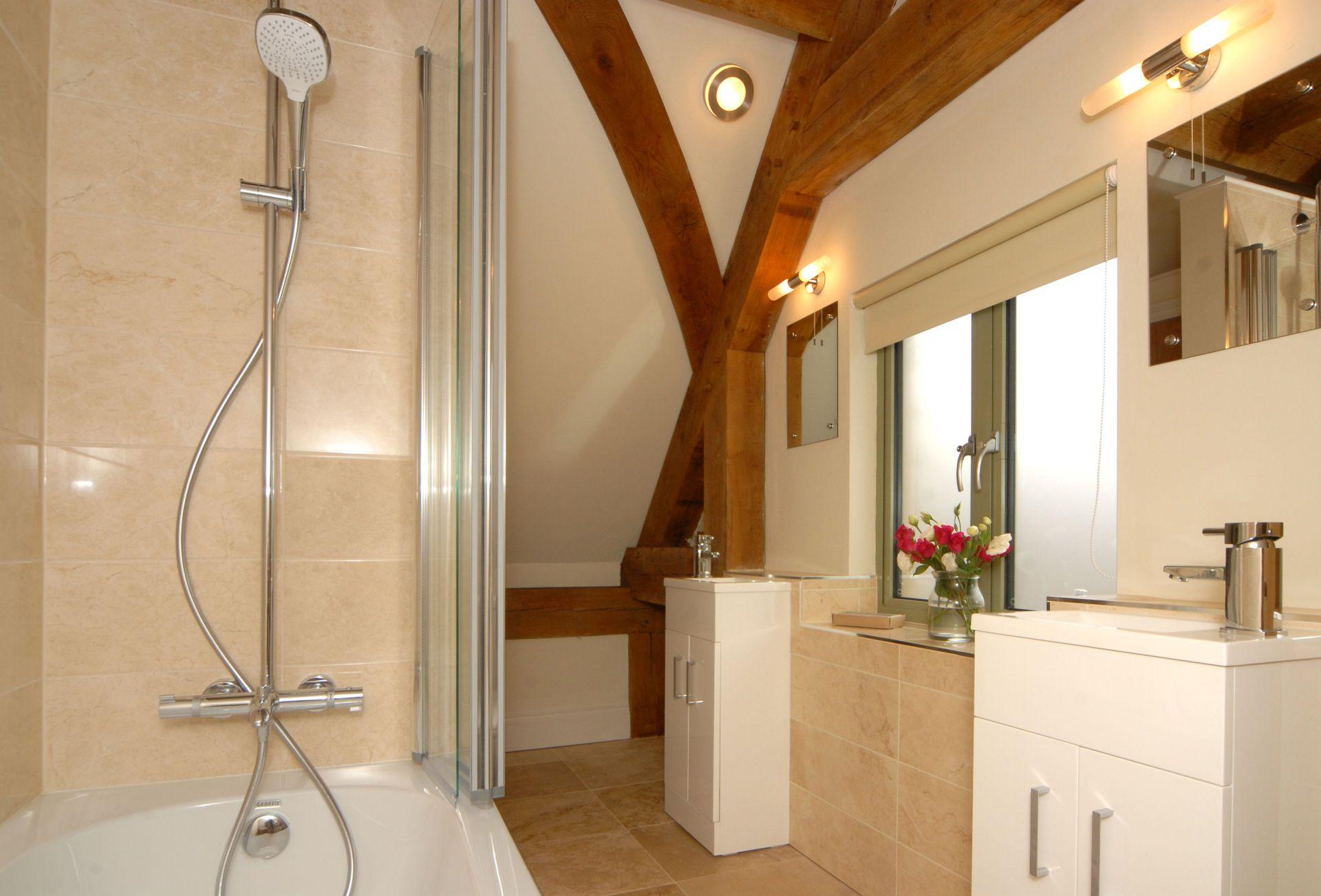 Hiron's Piece First floor: En-suite bathroom to master bedroom
