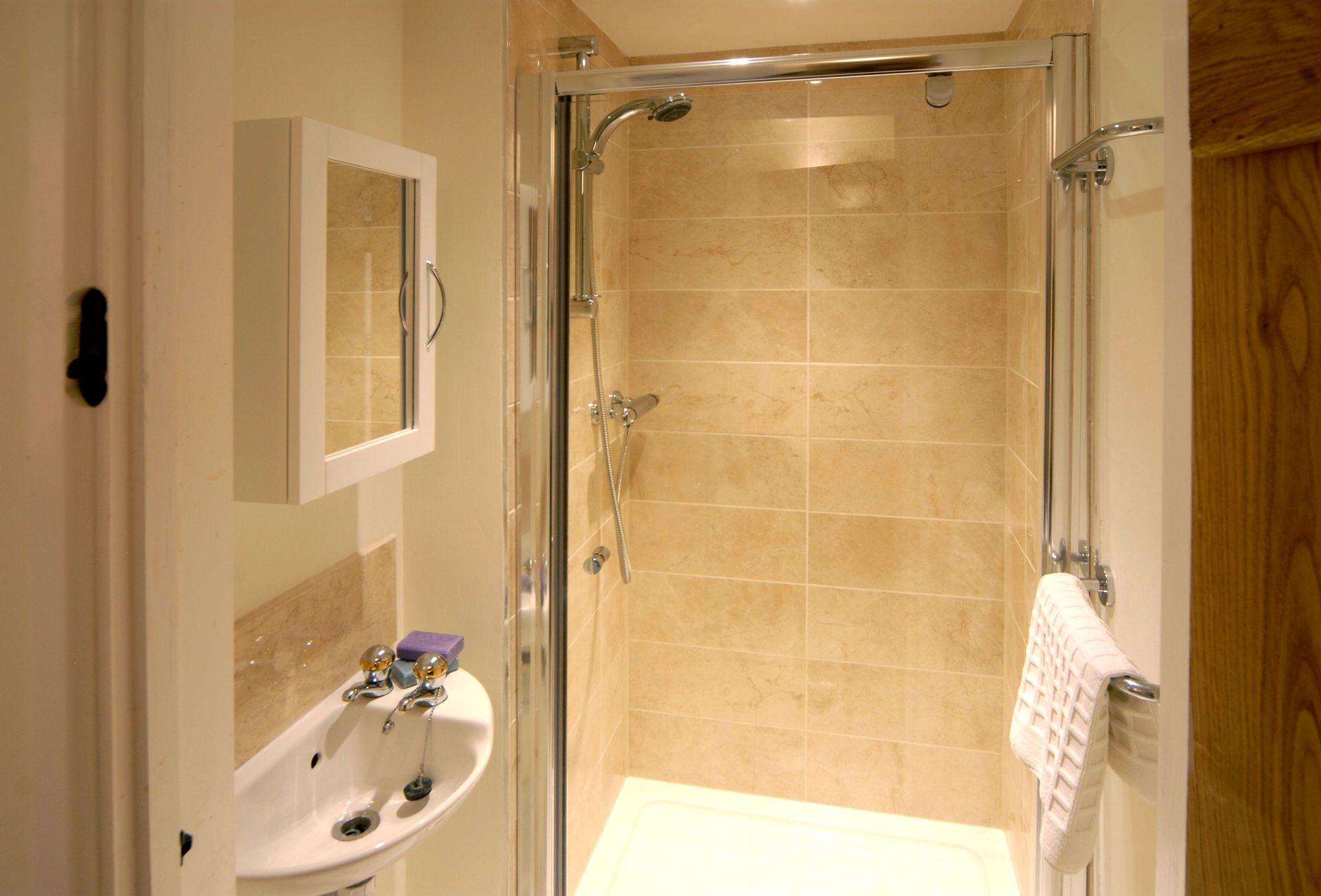 Hiron's Piece First floor: En-suite shower room to bedroom three