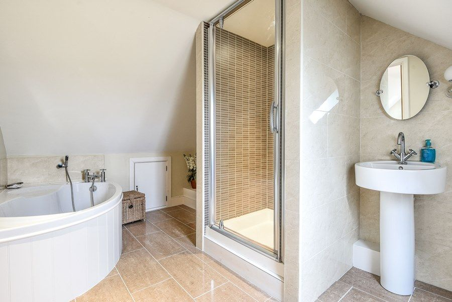 The Cartshed Marshland Barns | En-suite 1
