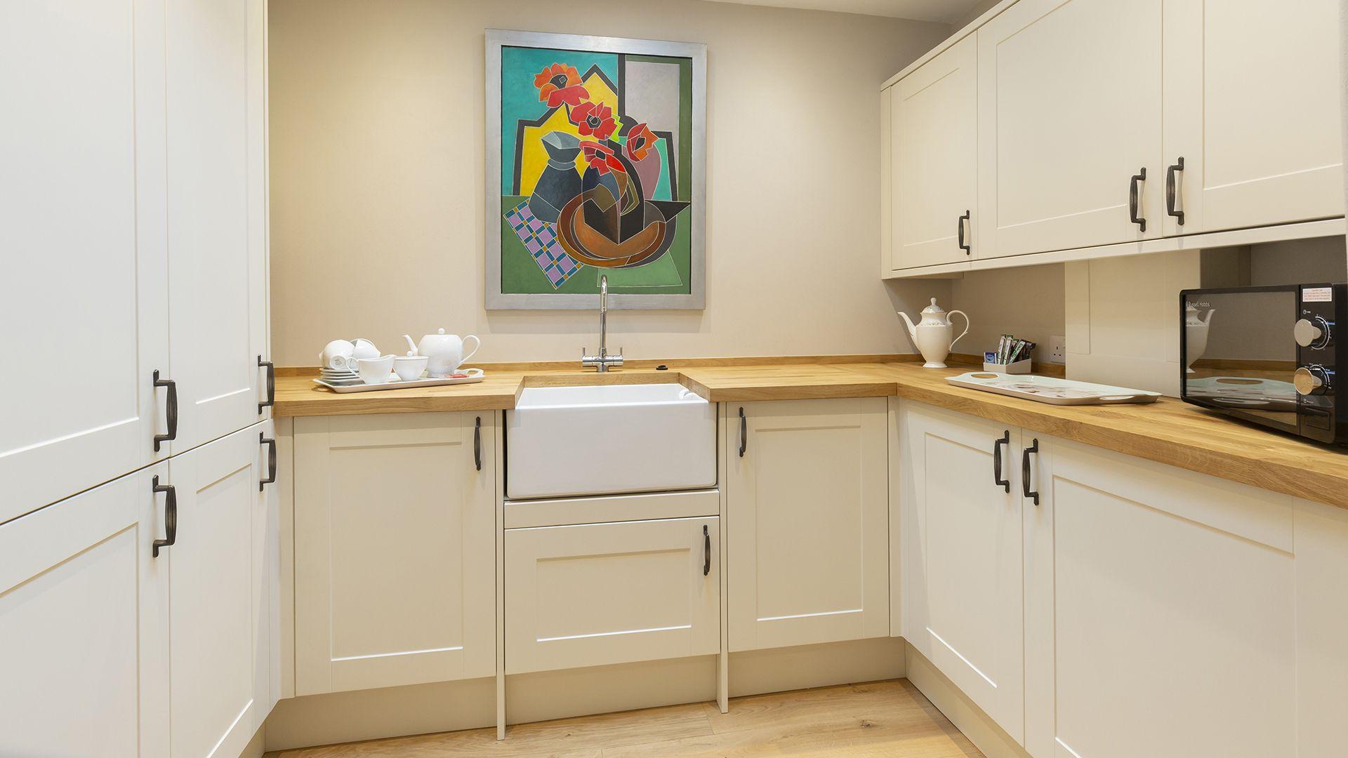 Kitchen with Belfast Sink, 14 Vineyard Street, Bolthole Retreats