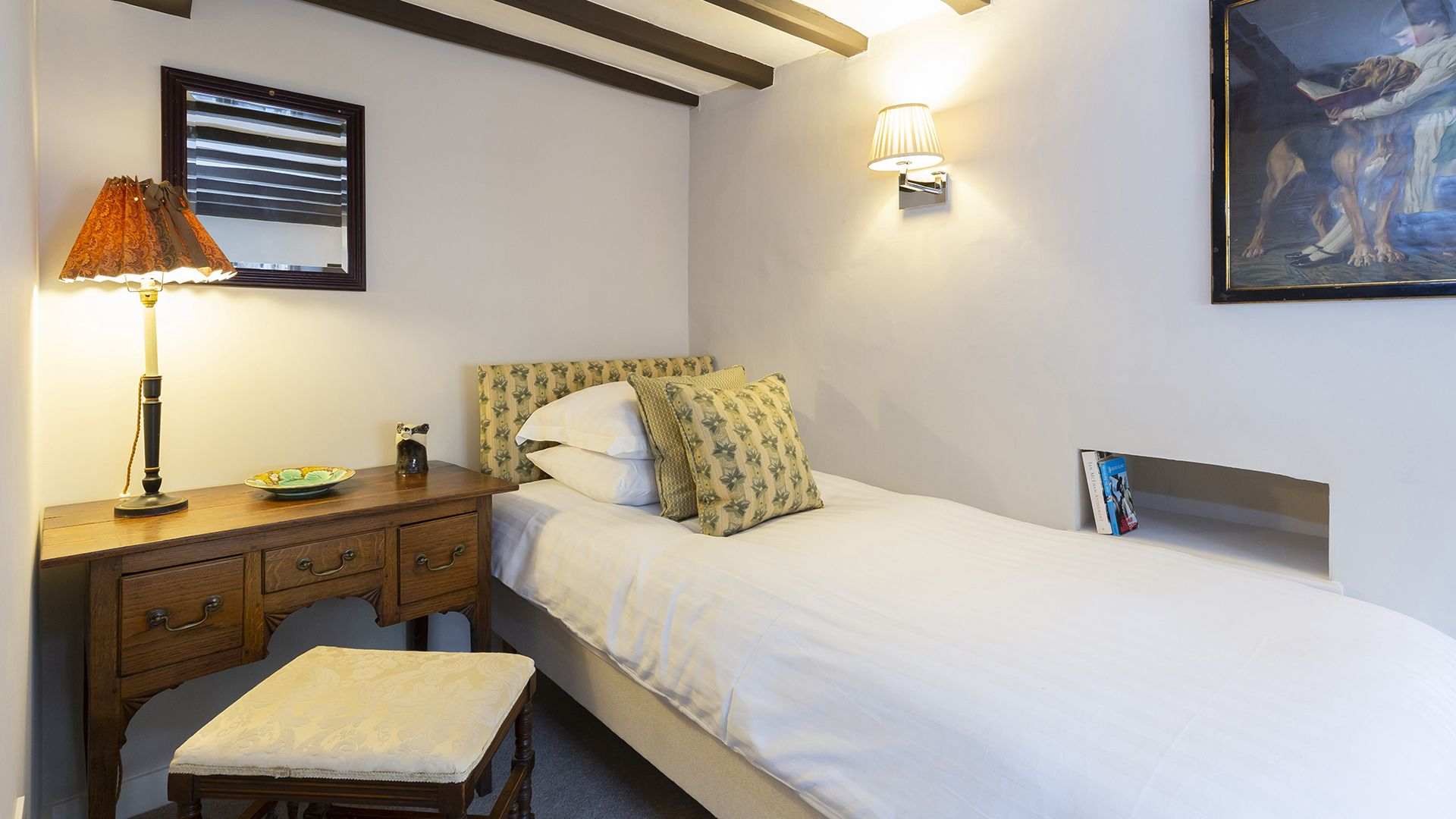 Single bedroom, 14 Vineyard Street, Bolthole Retreats