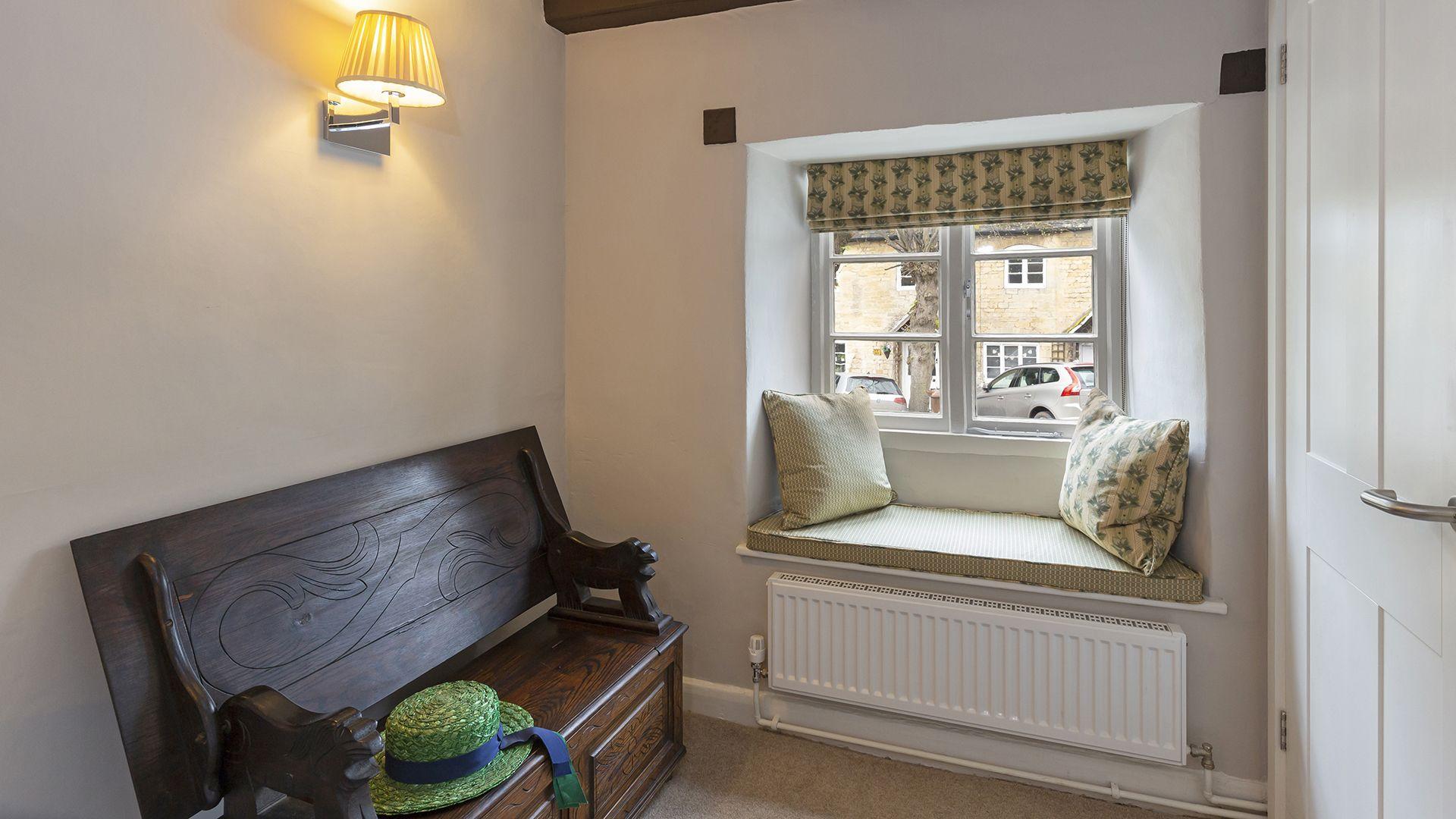 Bedroom 2, 14 Vineyard Street, Bolthole Retreats