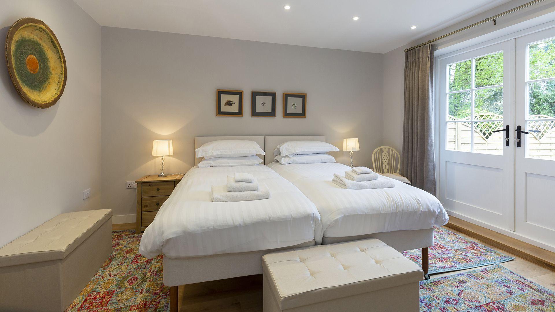 Twin bedroom in annex, 14 Vineyard Street, Bolthole Retreats