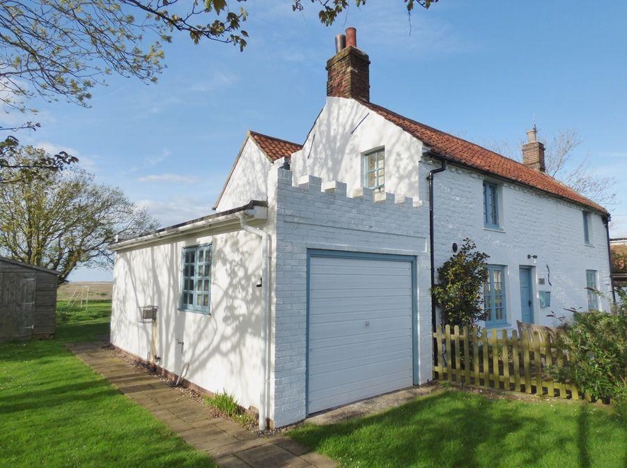 Coastguard's Cottage | Outside