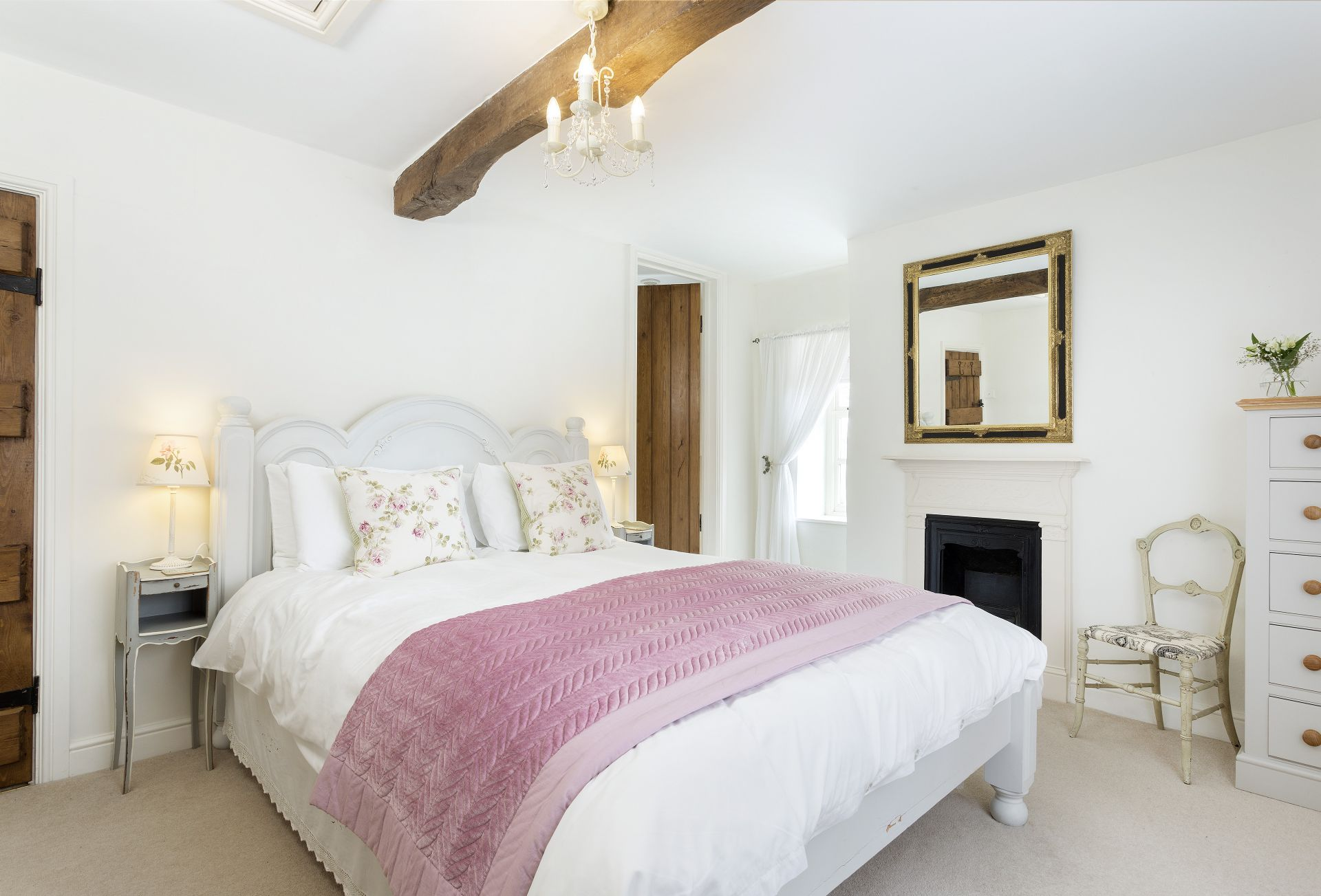 First floor: Master bedroom with 5' king-size bed and en-suite shower room