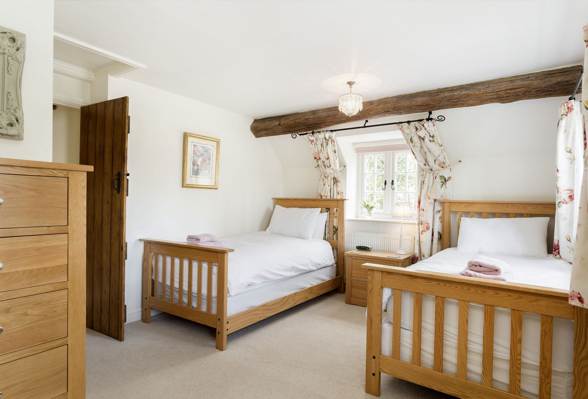 First floor: Second bedroom with two 3' single beds