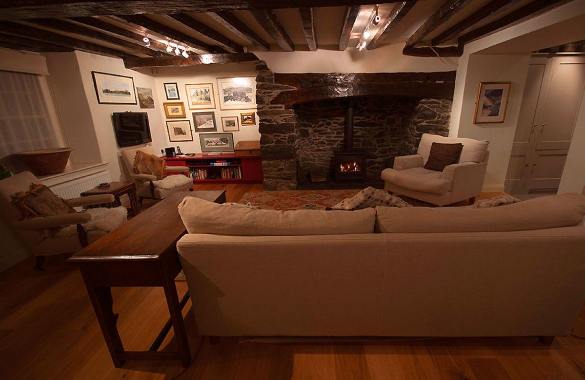 Ground floor: Open plan spacious beamed living room