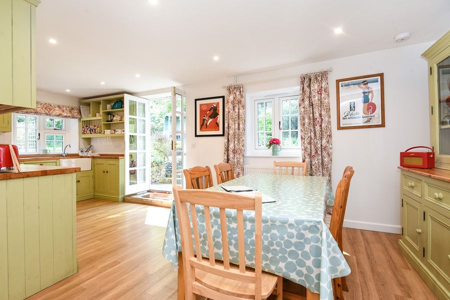 Apple Tree Cottage | Dining area and kitchen