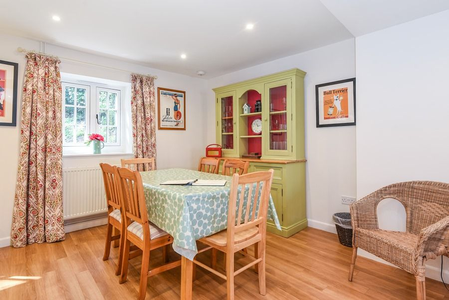Apple Tree Cottage | Dining area