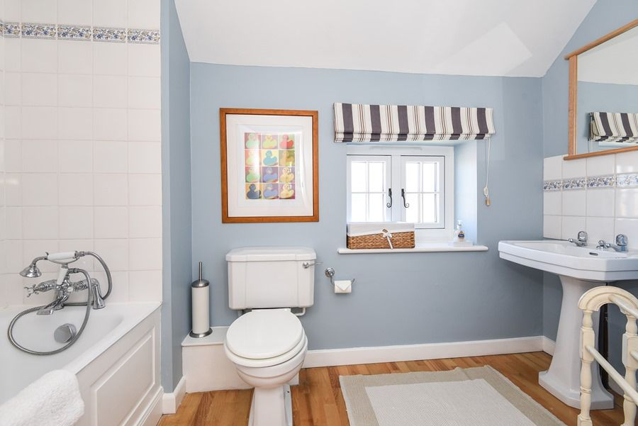 Apple Tree Cottage | Bathroom