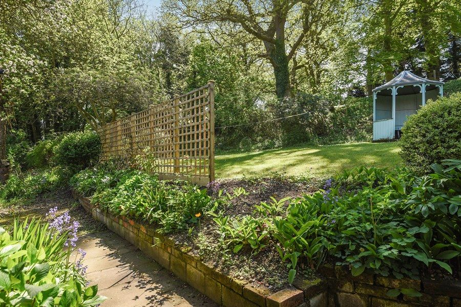 Apple Tree Cottage | Garden