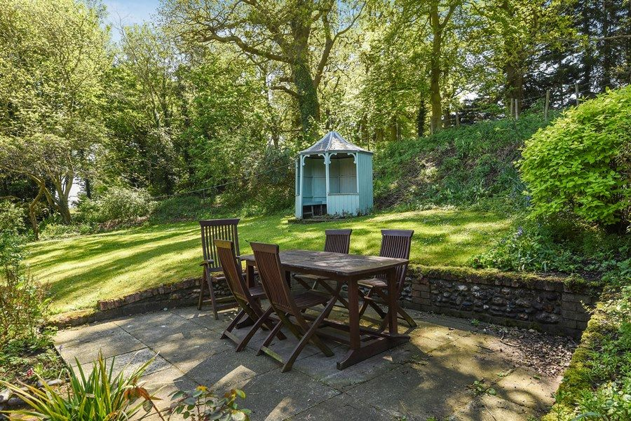 Apple Tree Cottage | Garden furniture