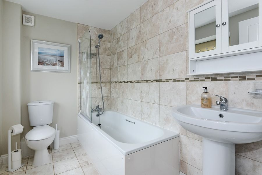 1 King William Cottage | Bathroom