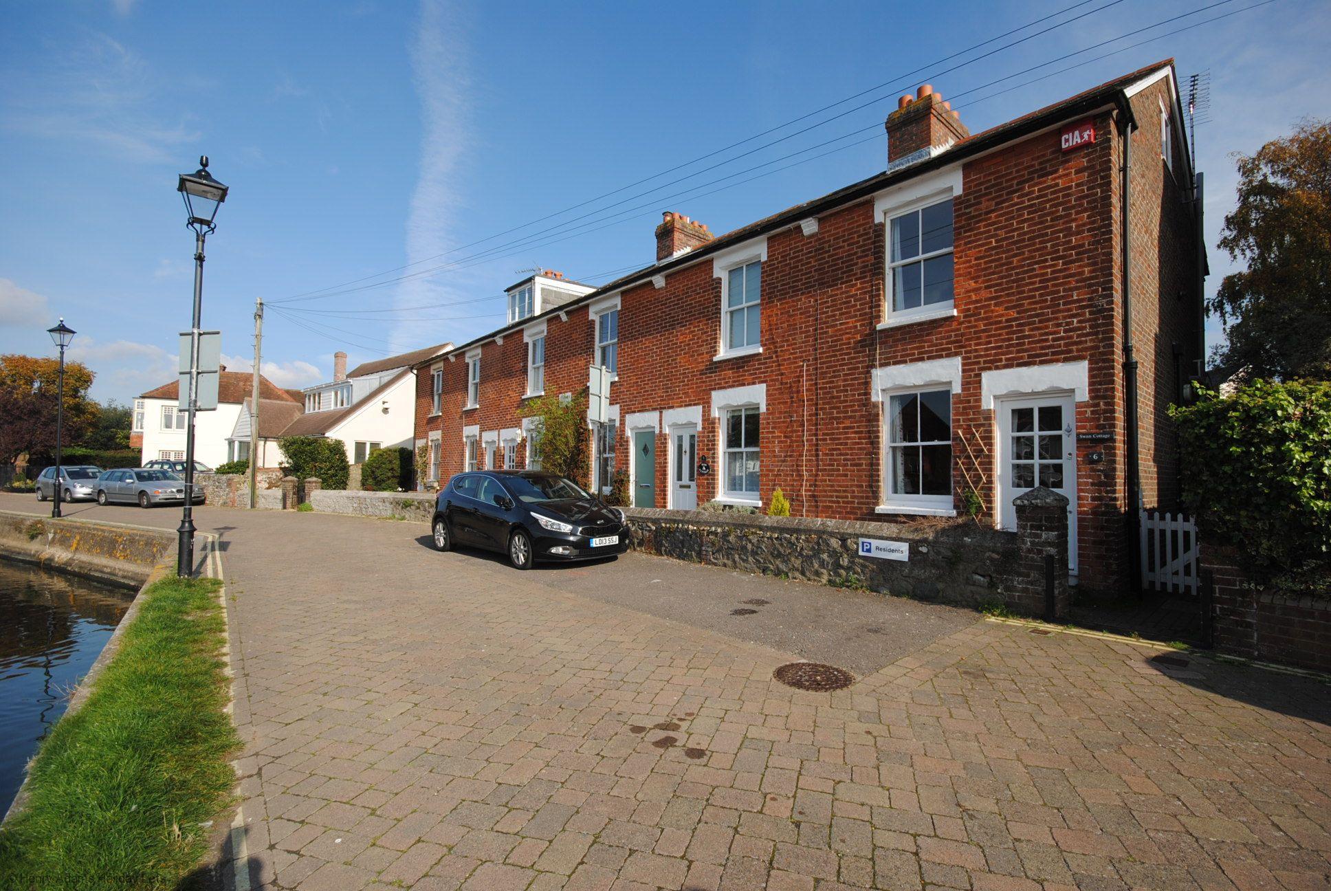 Compass Cottage , Emsworth