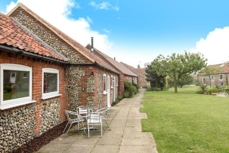 Samphire Barn | Outdoor seating