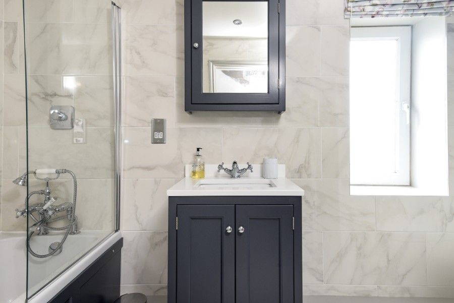 Samphire Barn | Bathroom