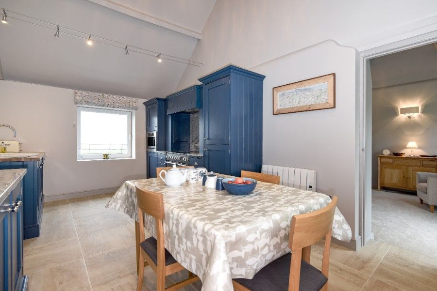 Samphire Barn | Dining area