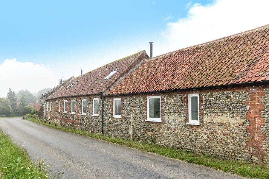 Samphire Barn | External