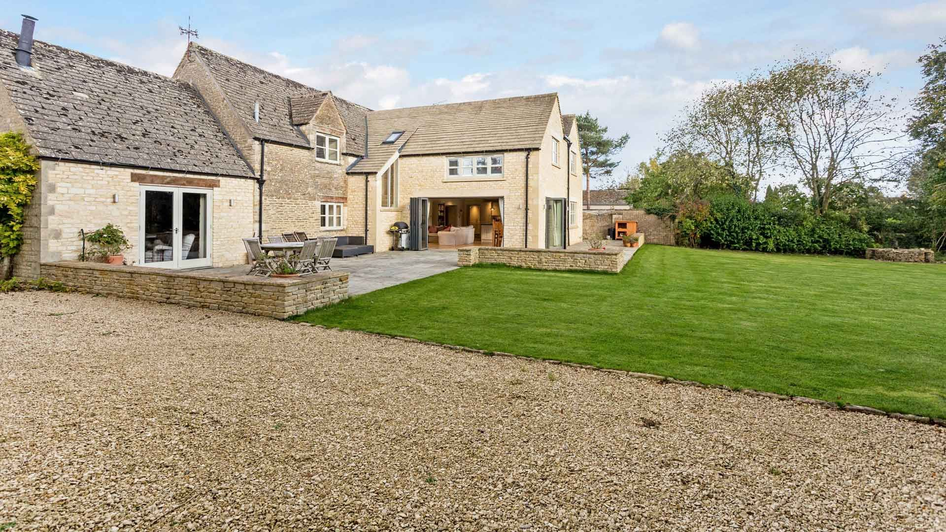 The Old Farm, Ampney Crucis, Near Cirencester - StayCotswold