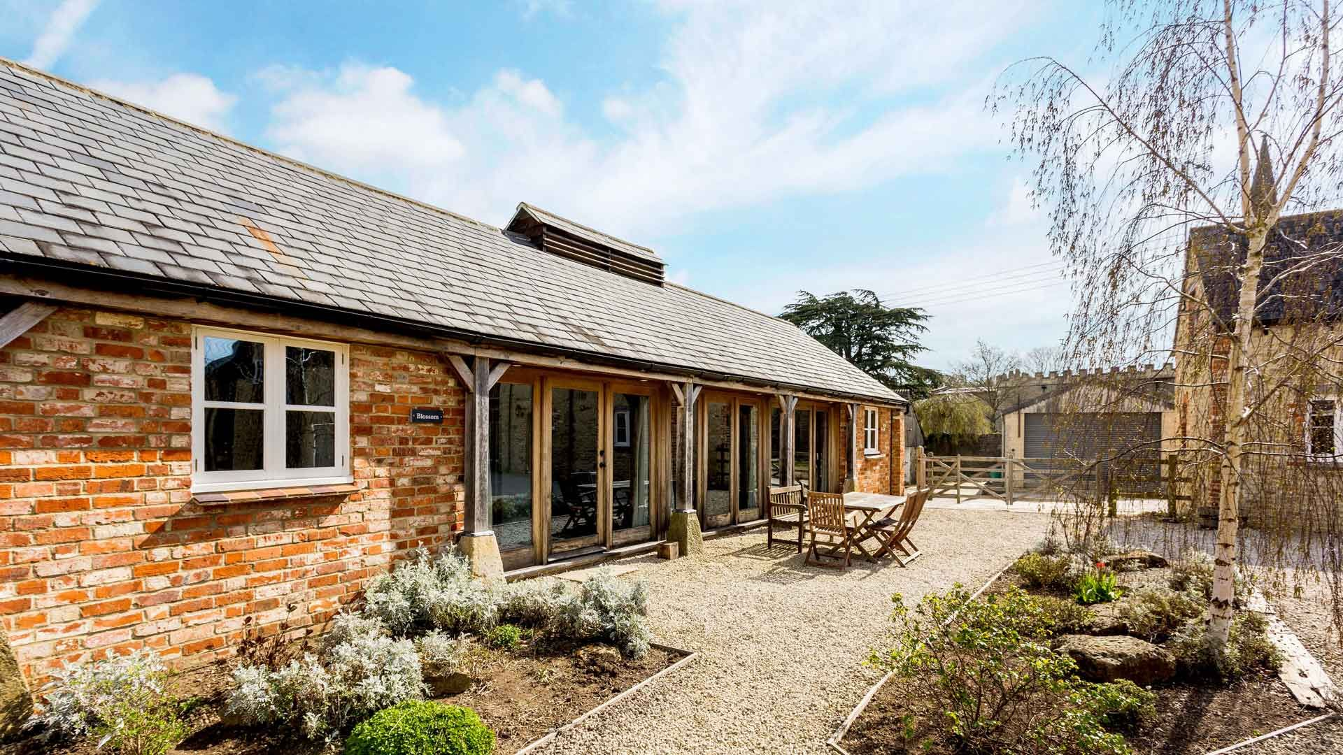 Blossom Barn - StayCotswold