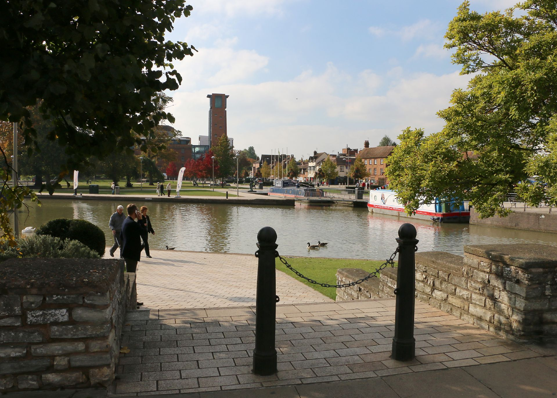 Stratford-upon-Avon is 20 minutes drive from the property
