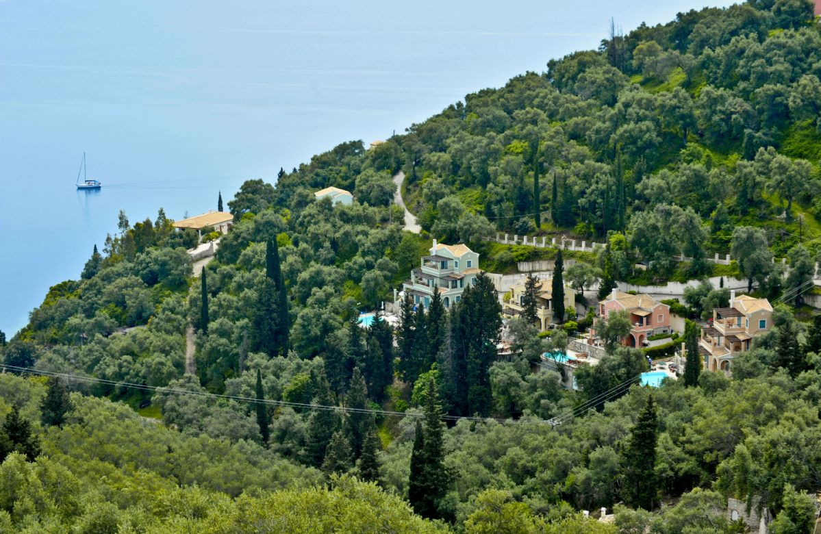 Villa Lemonia is one of the four Orchard Villas, with Villa Elia to one side and Villa Portokalia to the other
