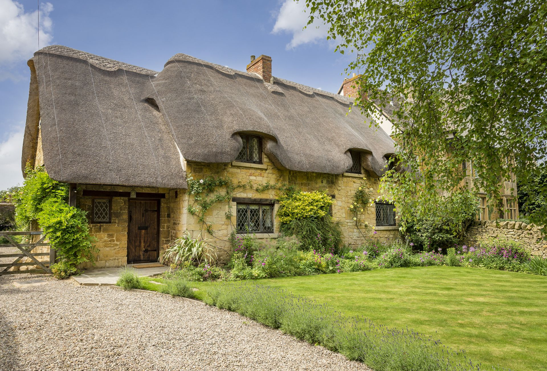 A stunning home away from home, St Michael's Cottage has been painstakingly restored by the present owners to provide boutique style accommodation in an historic setting