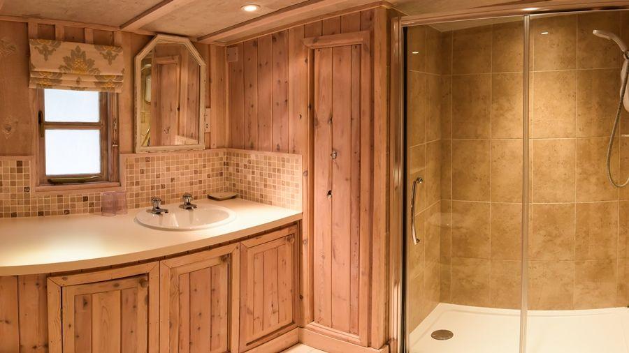 Flagstaff Garden House   Shower room