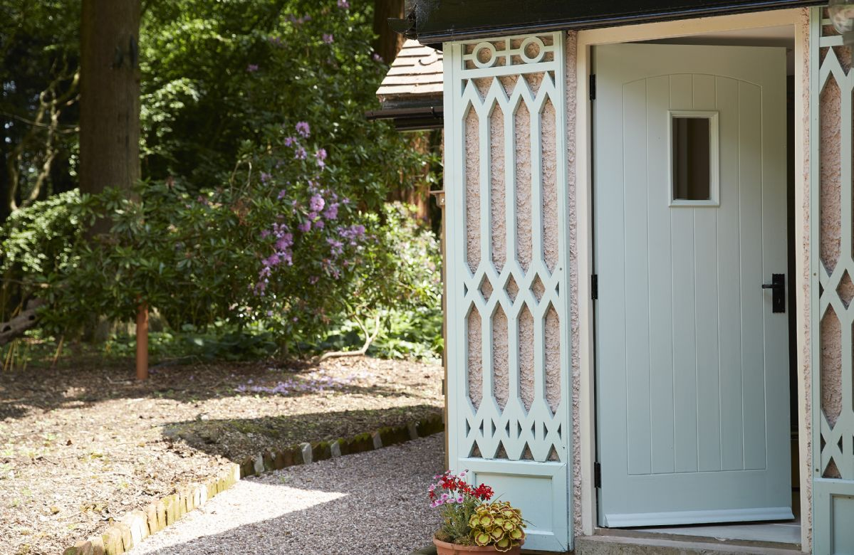 Nestled in the depths of Temple Wood, Pink Cottage offers a secluded spot for a romantic break