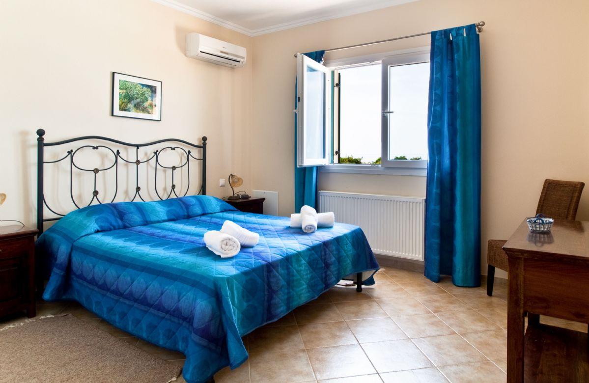 Bedroom with en-suite shower room