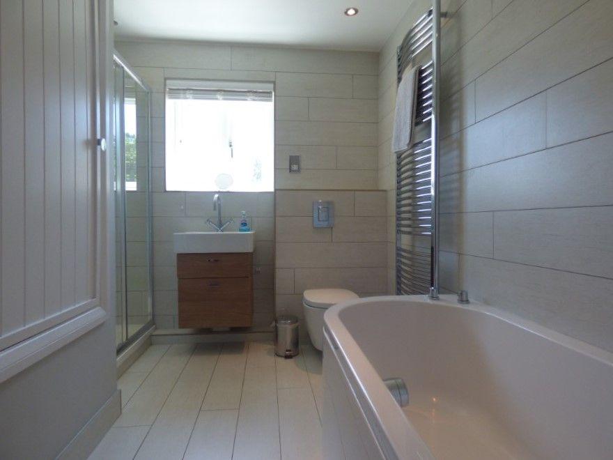 Norfolk Sky 2 bedrooms | Principal bathroom